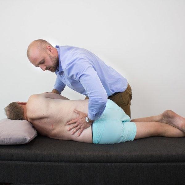 gonstead-chiropractic-adjust
